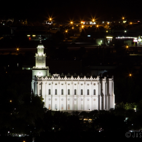 Night photo of St George Utah Temple