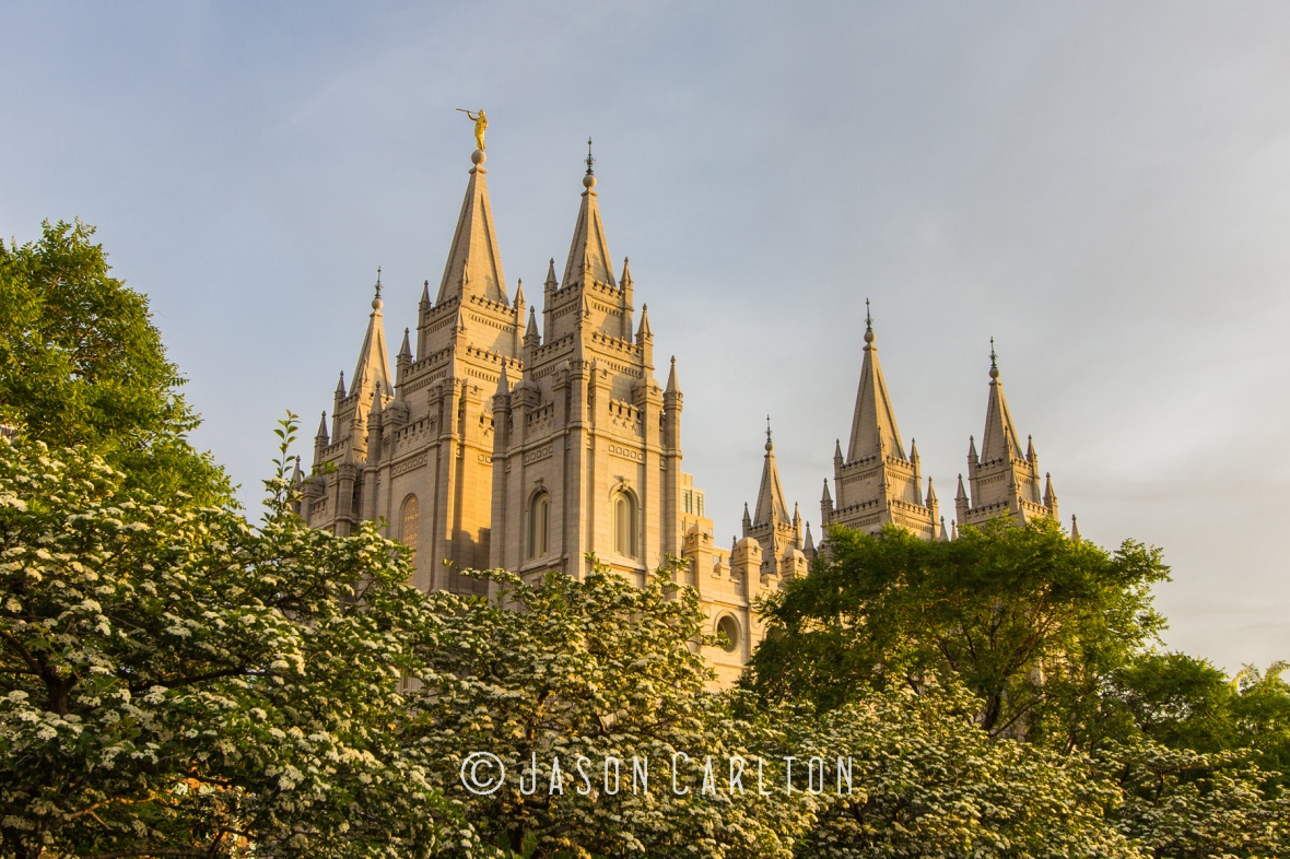 Photo of Salt Lake Temple just before Dusk