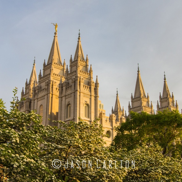 Photo of Salt Lake Temple just before Dusk