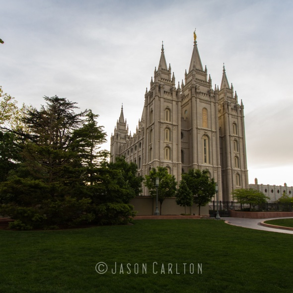 Photo of the Salt Lake Temple on Temple Square near sunset
